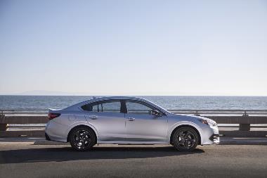 2020 Subaru Legacy_side_right