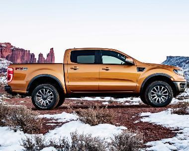 2019_Ford_Ranger_side_right